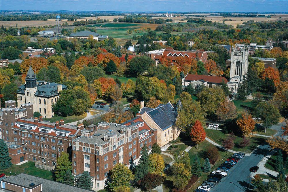 carleton college science programs