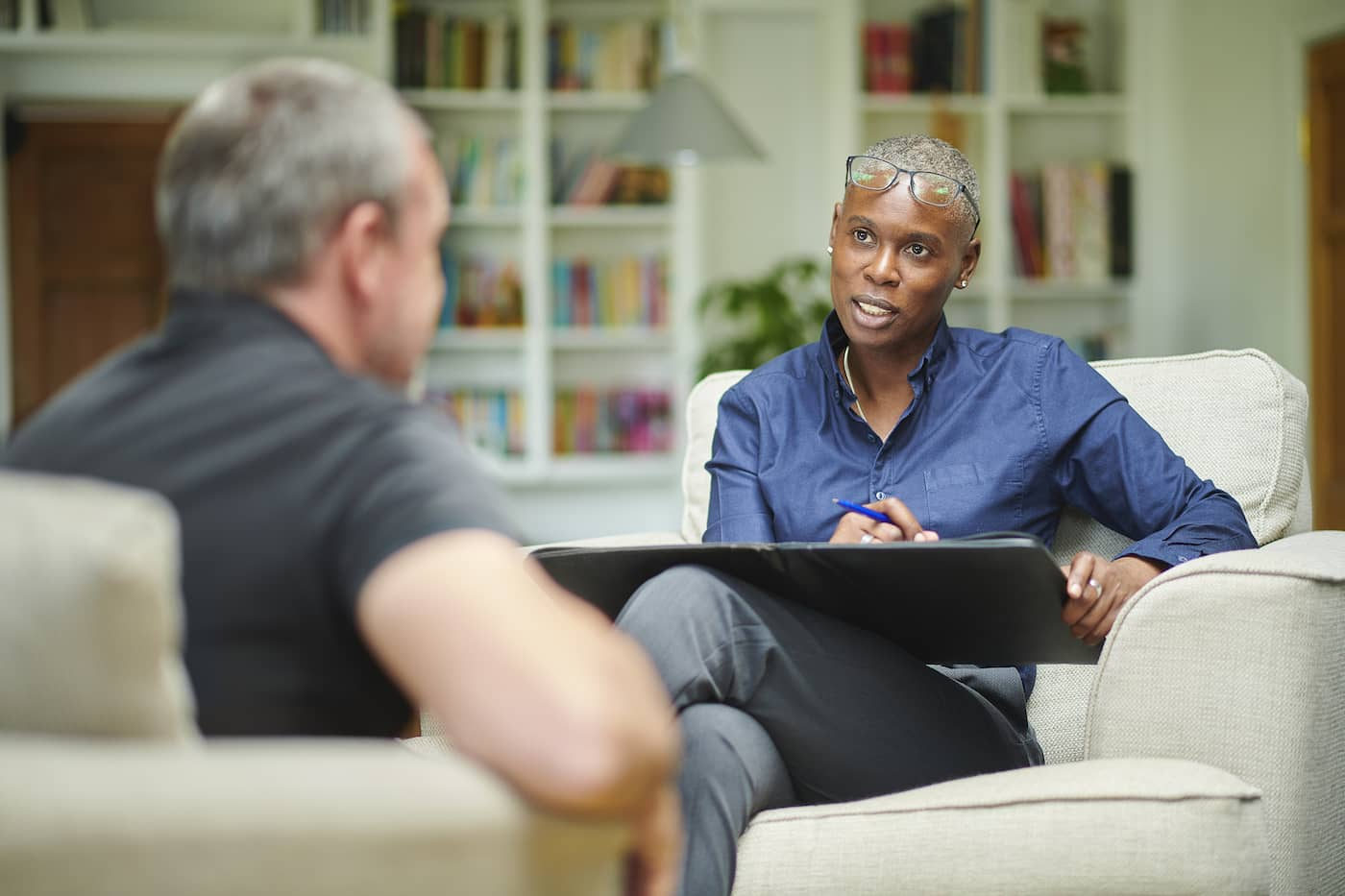 Which is Better – Becoming a Psychologist or a Psychiatrist?