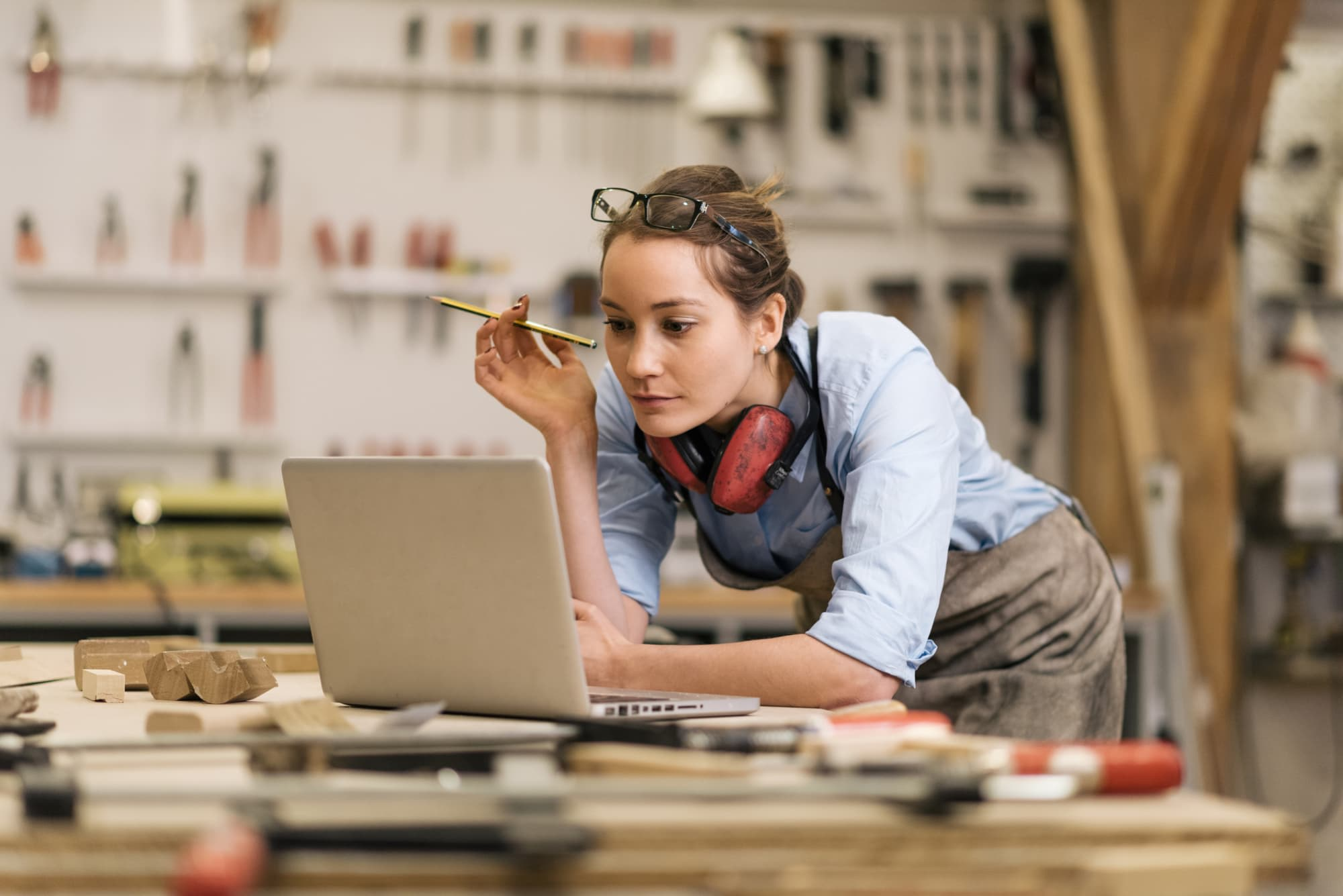 Vocational Training A Guide to Non-Degree Education tumbnail