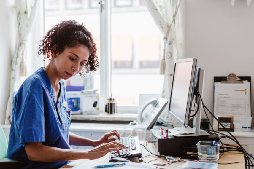 What Over 20 Nurses Said About Earning Their Nursing Degree Online