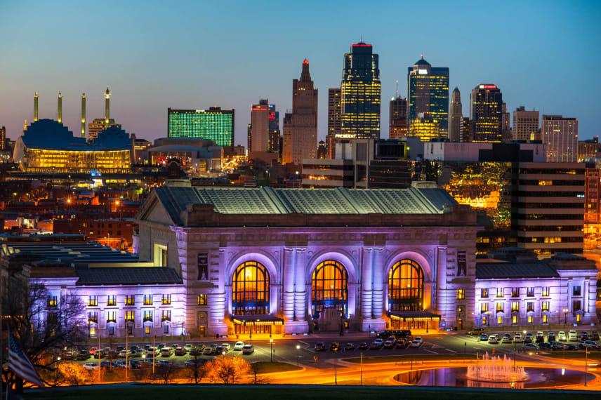 Online Colleges in Kansas 2021