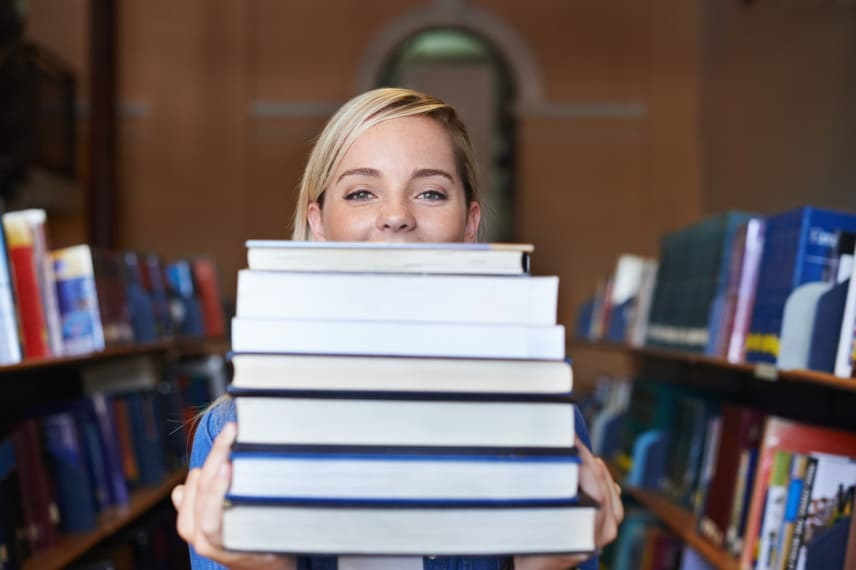28 Ways to Reduce the Cost of College Textbooks