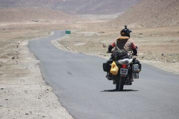 Manali Leh Srinagar biking expedition