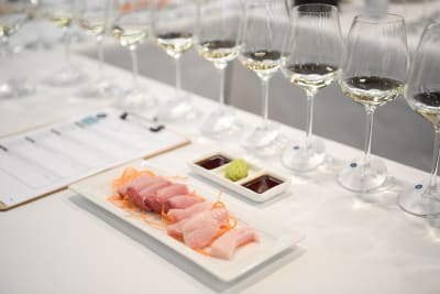 Learning How to Pair Asian Food with Wine
