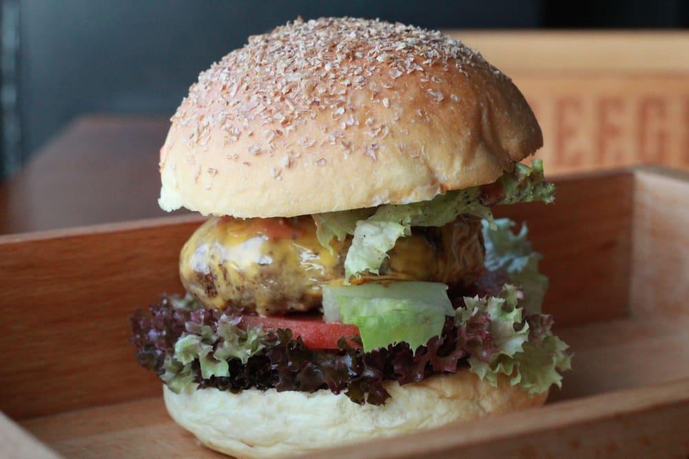 Burger Bar in Kennedy Town: Beeger