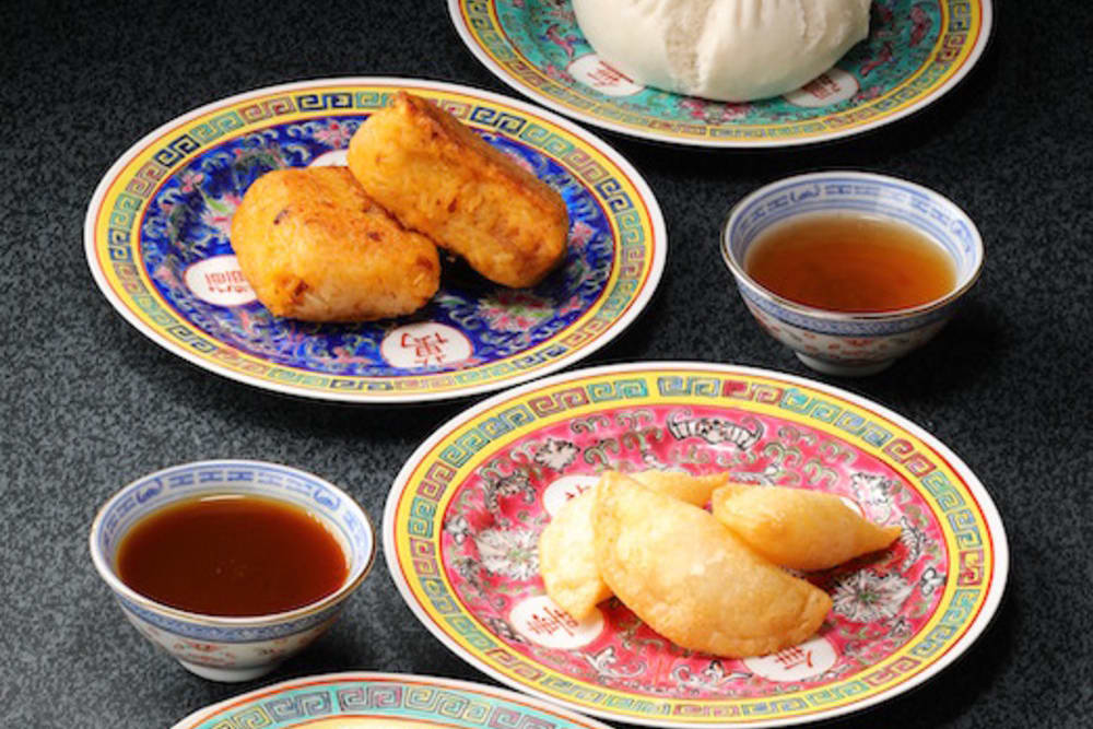 A Taste of Guangdong Nostalgic Dining Experience at Man Hing
