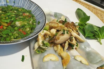 Vietnamese Chicken Steamed Rice Rolls  (Banh Cuon)