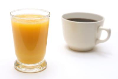 Juice or Tea Detoxing; That's the Question