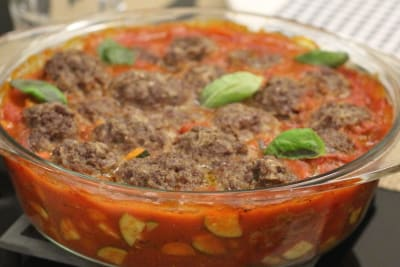 "Healthy ""Baked"" Meatballs in Tomato Sauce"