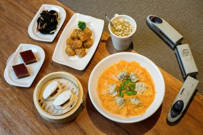 利小館元朗新分店 引入自動食品輸送帶
