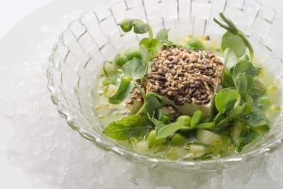Restaurant Review: Revitalising Menu at Café Gray Deluxe