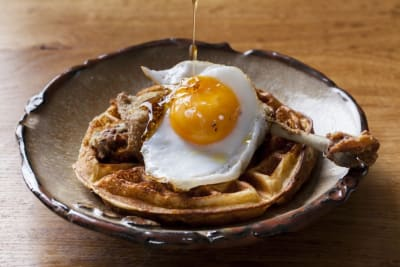 Duck and Waffle Flies from LDN to HKG, Landing at IFC