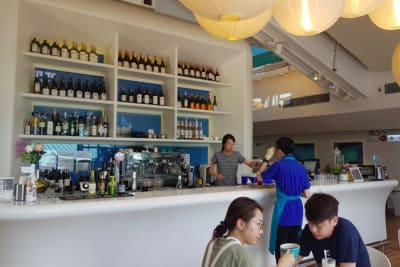 Café 8: Happy Hour at Hong Kong's Sunniest Café