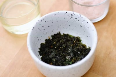 Recipe: Garlic and Parmesan Kale Chips