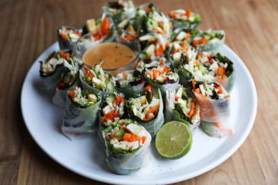 Recipe: Crispy Tofu and Avocado Rolls with Peanut Sauce