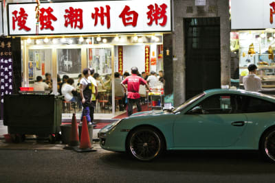 Dine-In Service Banned after 6pm at Restaurants in Hong Kong