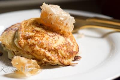 Fluffy Ricotta Hotcakes with Honeycomb