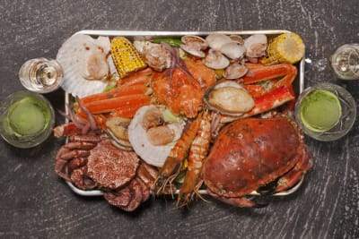 The Smart Expat's Guide: 5 Reasons Why Locals are Crazy about Crab