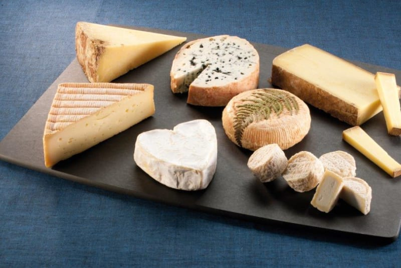 How to Dress a Cheese Platter
