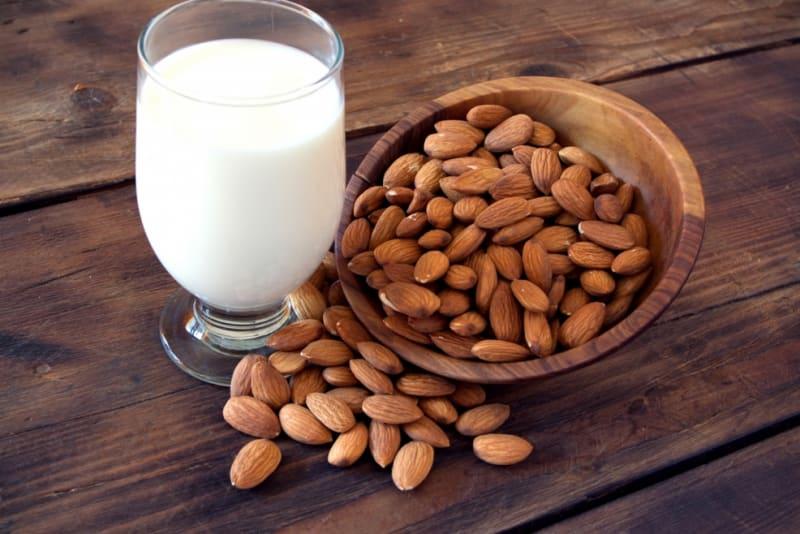 5 Delicious Almond Milk Recipes