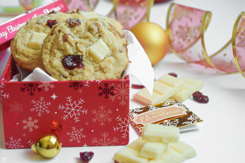 12 Days of Christmas Cookies: White Chocolate & Cranberry Oat Cookies