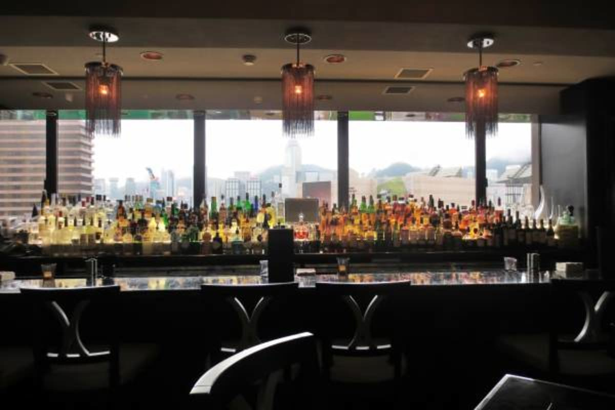 Morton's Steak House: Happy Hour