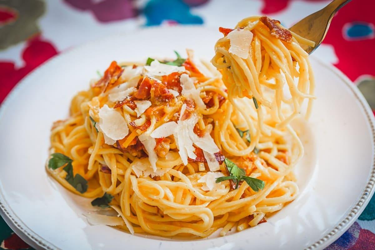 "The ""Real"" Spaghetti Carbonara Recipe"
