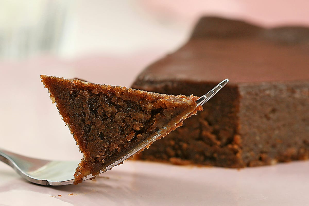 Use Your Rice Cooker to Bake a Chocolate Cake