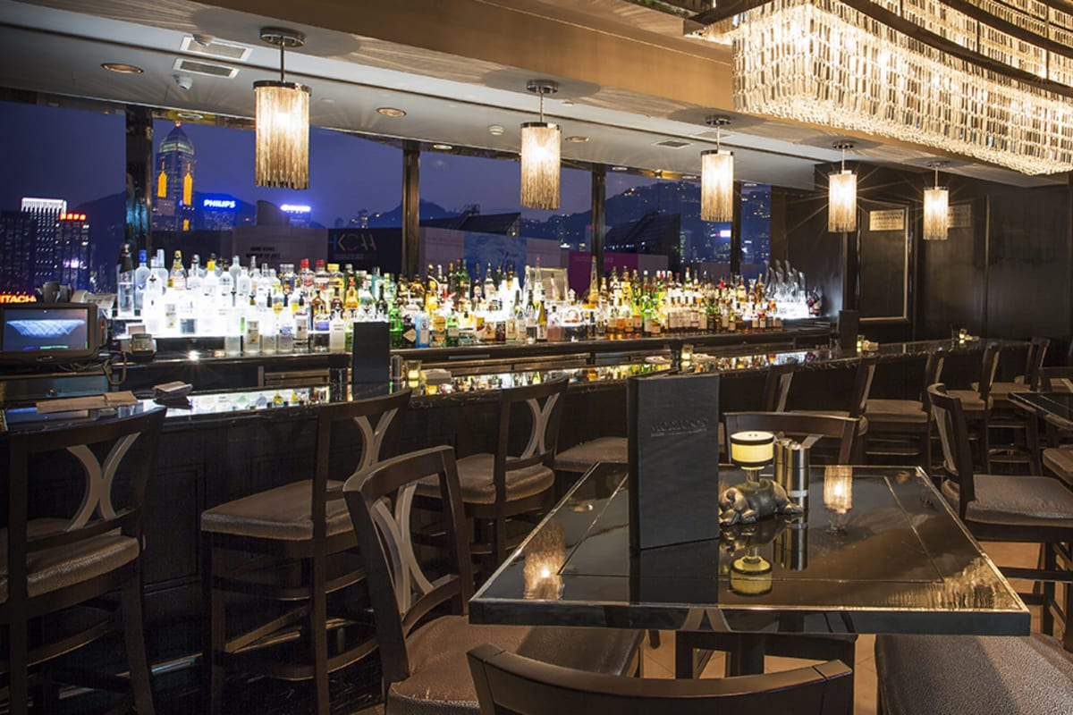 NEW: Power Hour at Morton's of Chicago, The Steakhouse