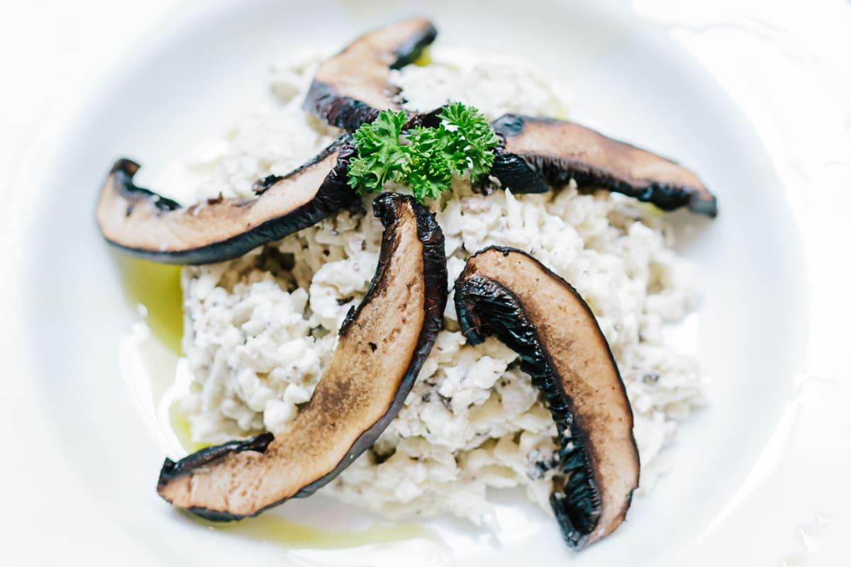 Raw Cauliflower Risotto with Alfredo Sauce: Recipe