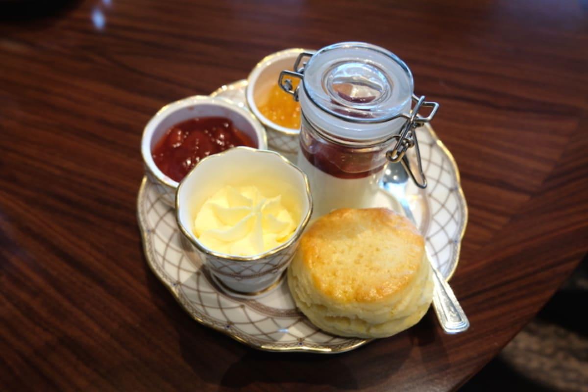 Restaurant Review: Teatime at Grand Hyatt's Tiffin