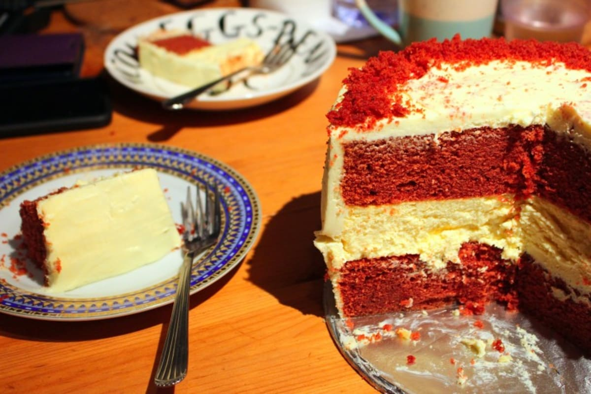 Recipe: Red Velvet Cheesecake Cake with Cream Cheese Frosting