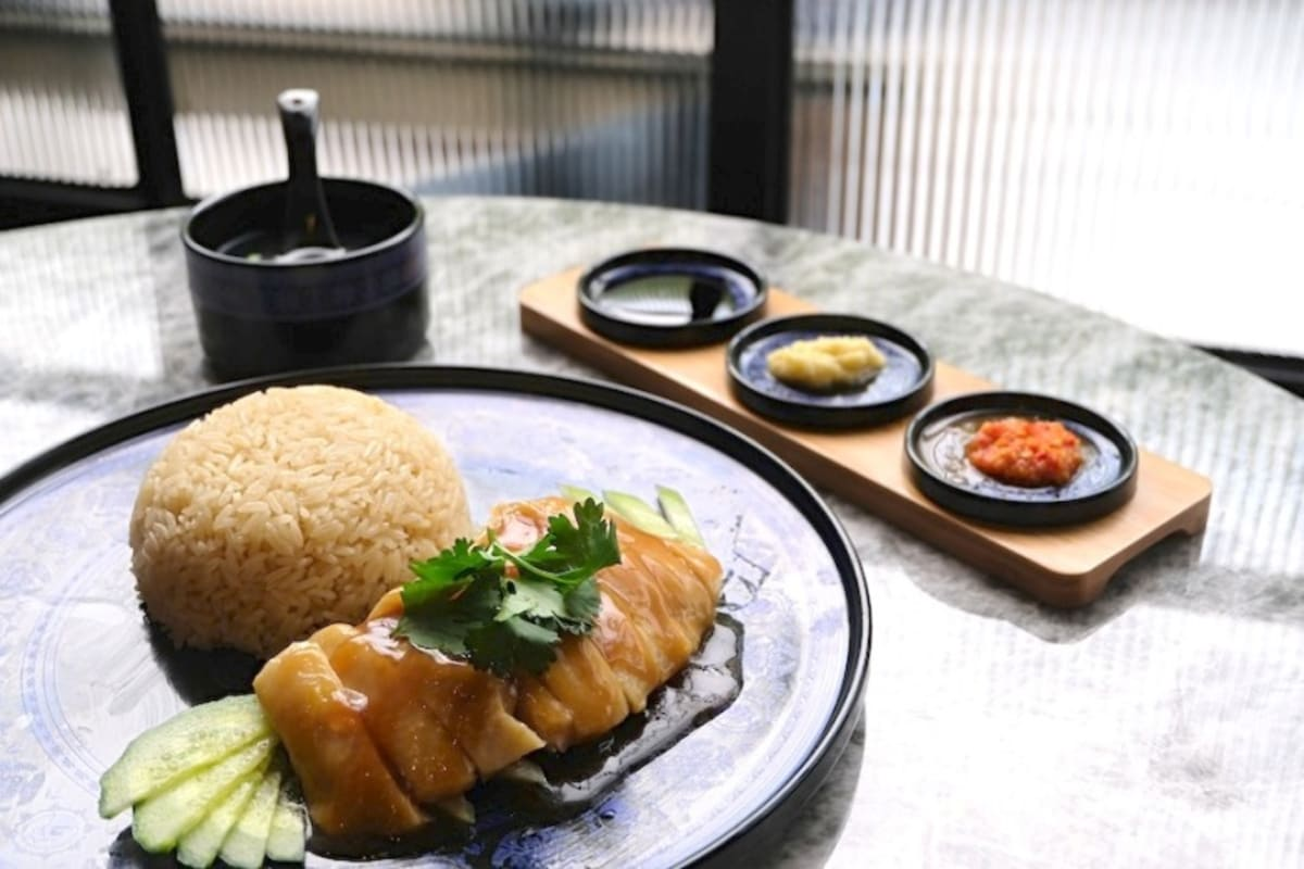 Tian Tian Hainanese Chicken Rice in Hong Kong