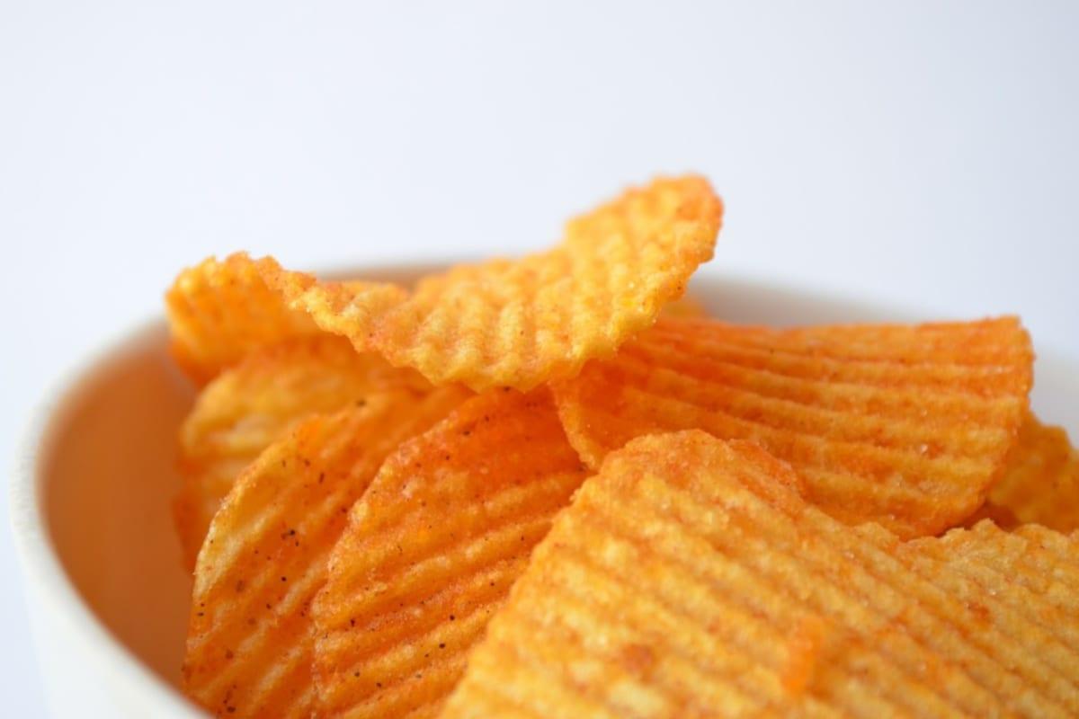 Food War: UK vs HK Crisps