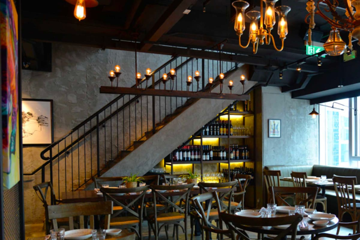 What Makes a Long-lasting Restaurant Business in Hong Kong?
