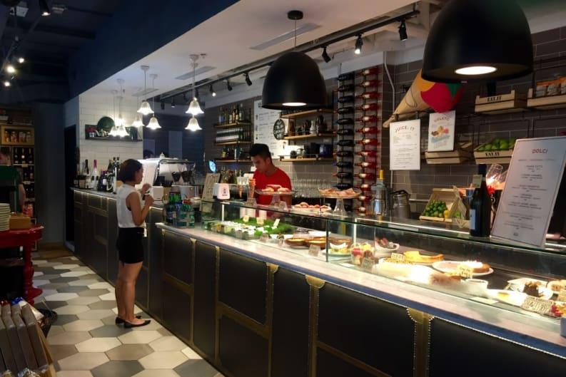 Marketplace Dining at EAT.it Italian Restaurant