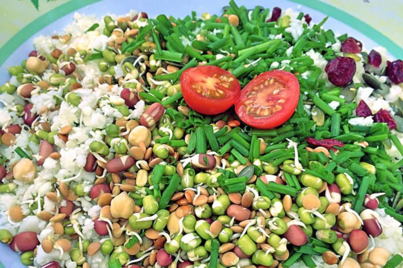 RECIPE: Raw Cauliflower Rice Salad