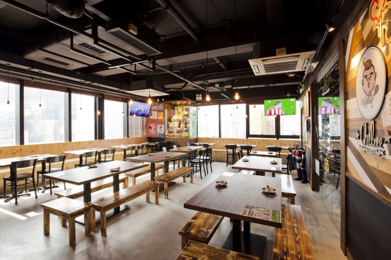 Korean-Style Chicken & Beer House Chibee Opens New Branch in TST