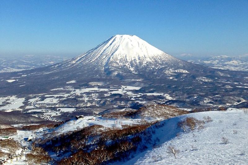 Celia Hu's Guide to Snowy Niseko, Hokkaido