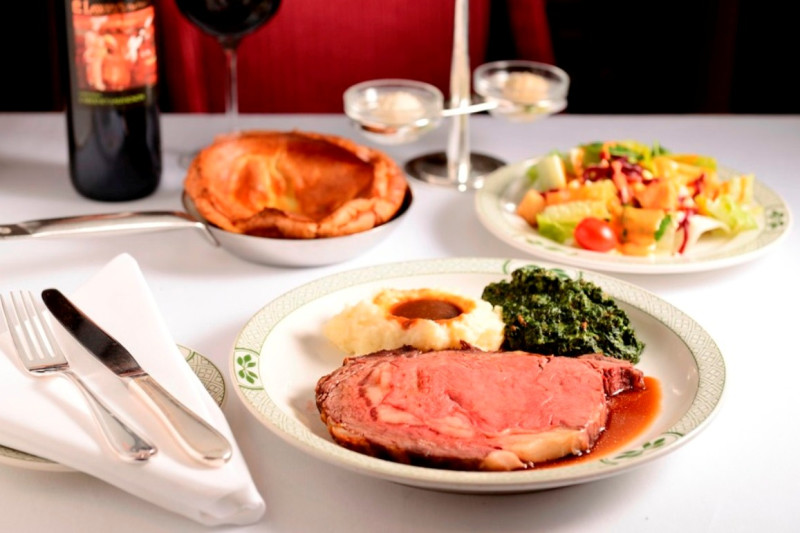 <p>Lawry's is as good for LUNCH as for dinner!<br></p>