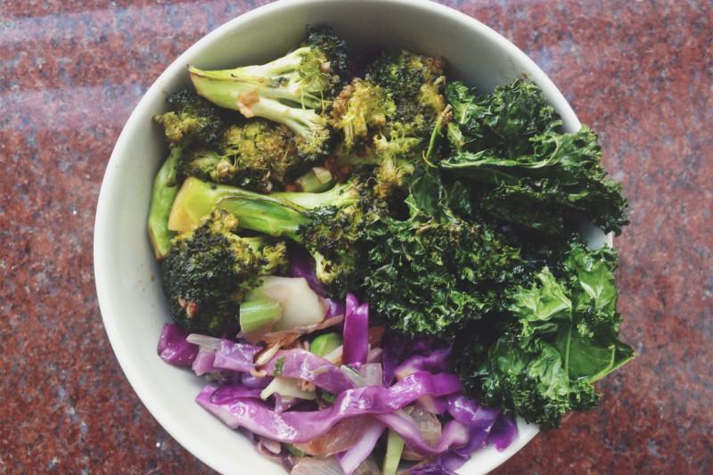 Simple Sriracha Broccoli Brown Rice Bowl Recipe