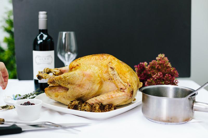 Roast Turkey Recipe [Magazine Feature]