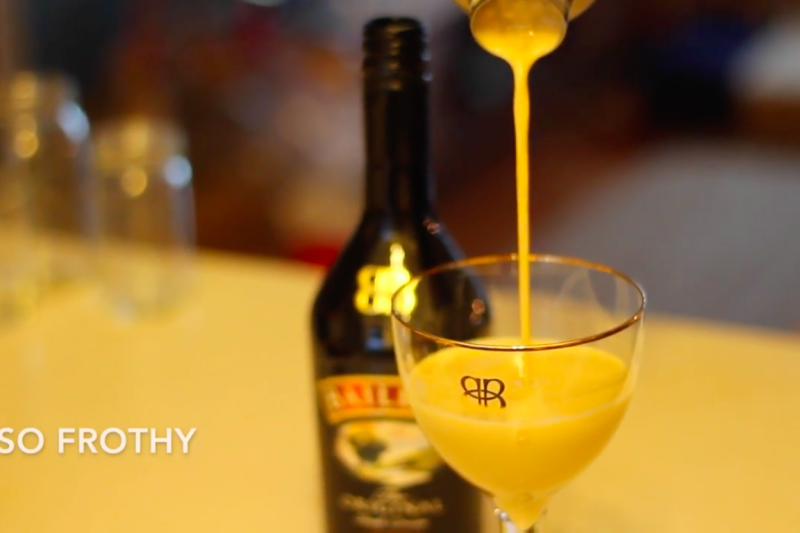 How to Make a Flat White Martini with Baileys [video]
