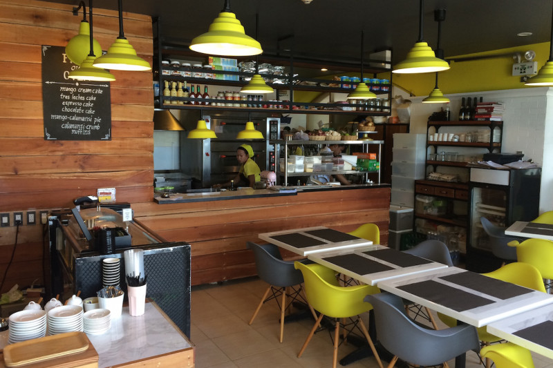 Cafe Review: Sunny Side Cafe in Boracay