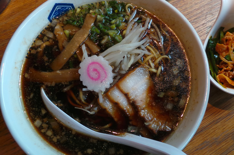 奉天黑醬油拉麵,來自福岡的小店味道