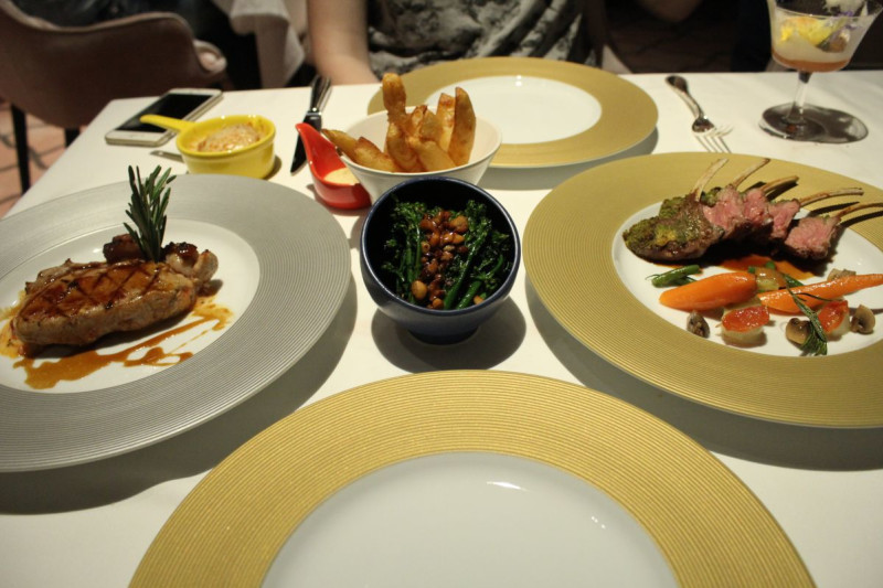 New Restaurant REVIEW: Maison Eight