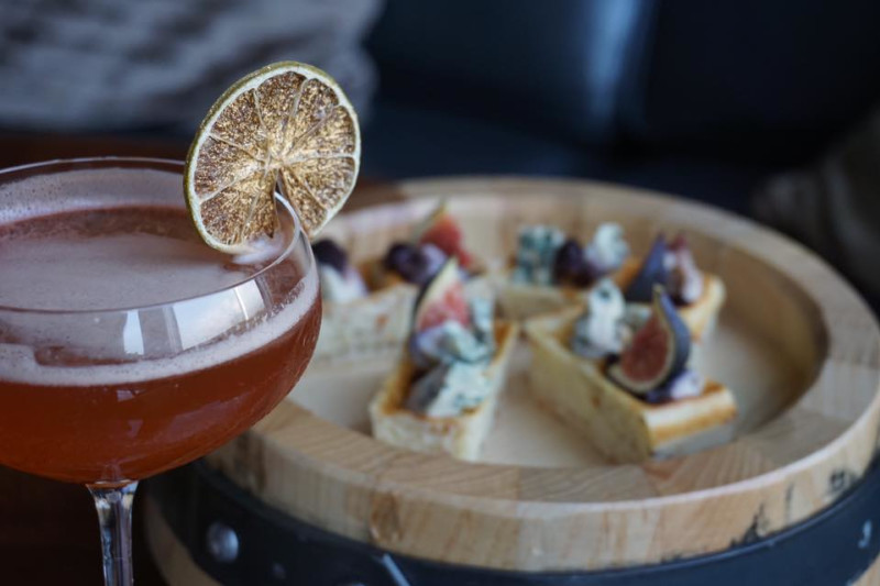 Manhattan from the Regent Singapore Takes Over HK's Blue Bar