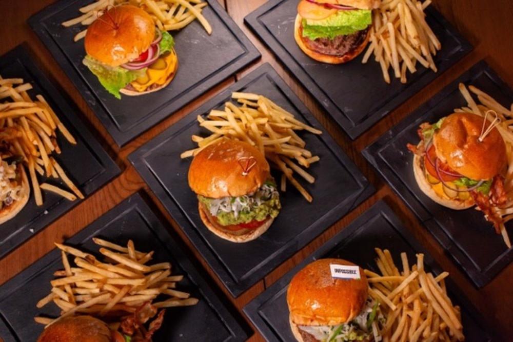 Cali-Mex Bar & Grill burgers
