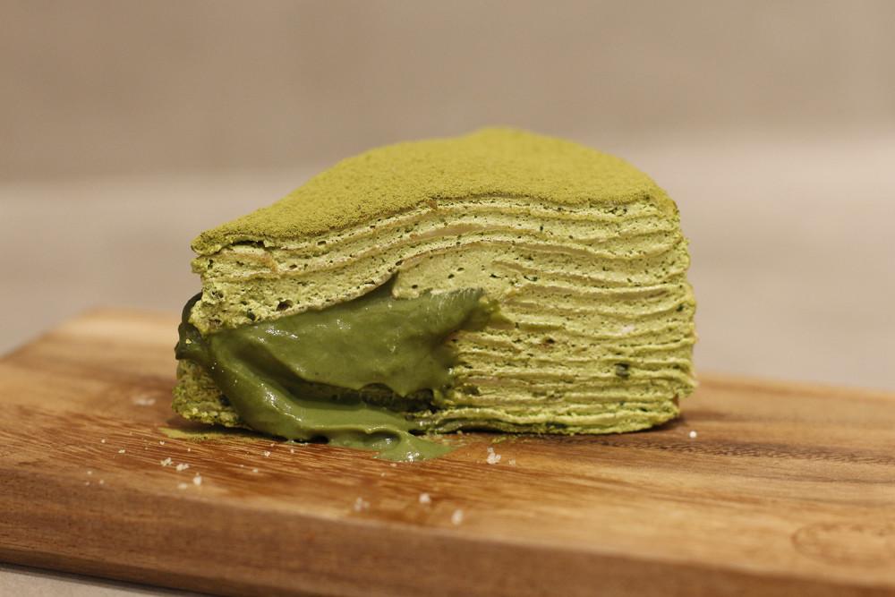 Lamlami Bakery crêpe cake