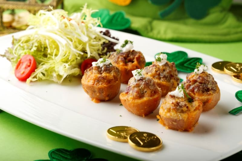 Baked Irish potato bites with corned beef and cheese ($58)